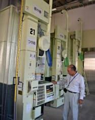 品種ごとに専用の乾燥機を使い混入を防ぐ県の原種倉庫(山形市)