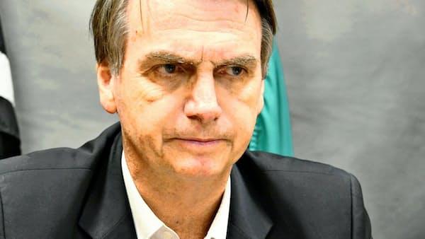 ブラジル大統領選、トップの極右候補が支持伸ばす