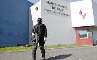 ファイード受刑者は13、18年と2度脱獄している(写真は13年に脱獄した仏北部の刑務所)=ロイター
