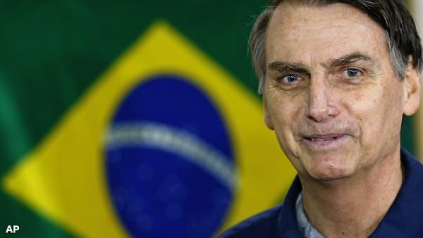 ブラジル大統領選、国民の怒りで極右台頭(社説)