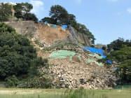 崩落した丸亀城の石垣(9日、香川県丸亀市)
