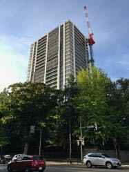 「ラ・トゥール札幌伊藤ガーデン」は札幌都心に位置しながら緑豊かだ