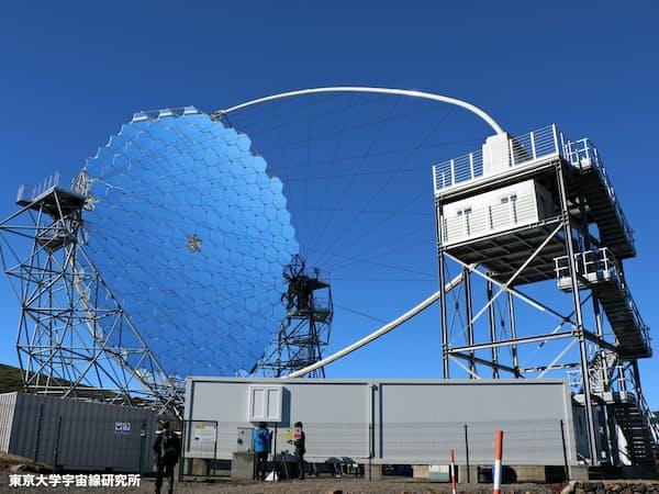 完成した口径23メートルのガンマ線望遠鏡(東京大学宇宙線研究所提供)