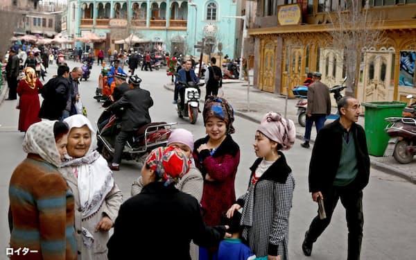 中国当局はウイグル族への弾圧を強めている(中国・新疆ウイグル自治区)=ロイター