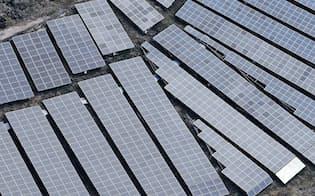 九州は太陽光発電が盛んだ(熊本県内の太陽光パネル)