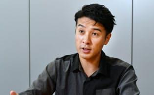 「半年だけ働く」ワークスタイルを続ける経営コンサルタントの村上アシシ氏