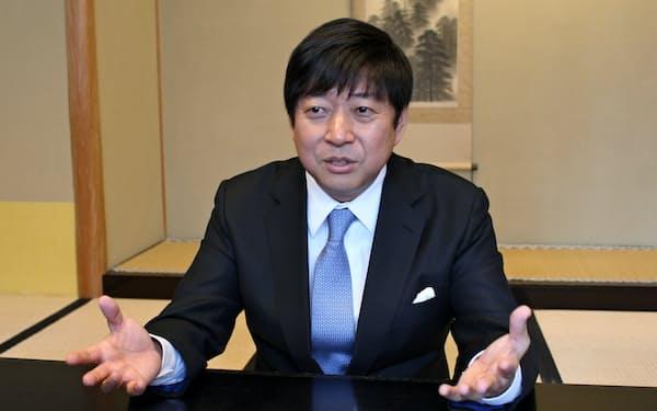 インタビューに応じるTKPの河野貴輝社長(16日、都内)