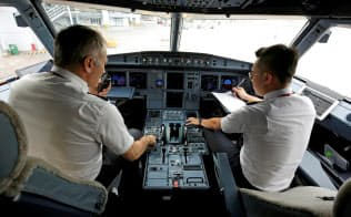 航空機や管制システムのデジタル化で旅客機がハッキングされるリスクは高まった=ロイター