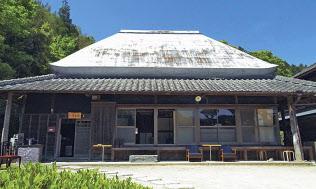 古民家民泊でアート制作支援 徳島県が初の試み(徳島県神山町の作良家)