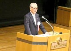 神戸医療産業都市推進機構の理事長を務め、今年のノーベル生理学・医学賞に決まった本庶佑・京都大学特別教授が市内で講演した(19日午前、神戸市)
