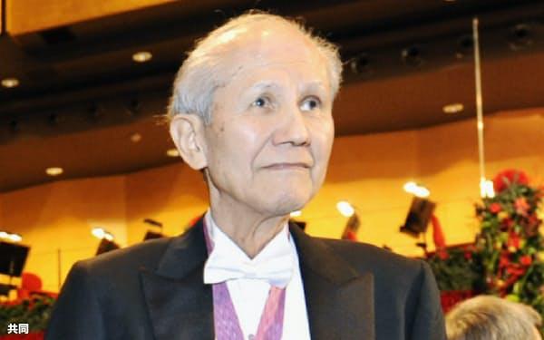 ノーベル賞授賞式に出席した下村脩さん(2008年12月、ストックホルム)=共同