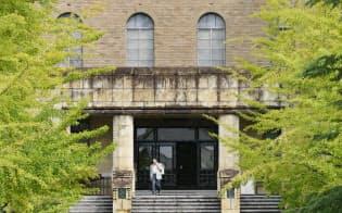 米ミネソタ州立大学図書館の設計図案を参考に1930年に竣工した