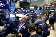 世界景気への懸念が強まっている(ニューヨーク証券取引所)=ロイター