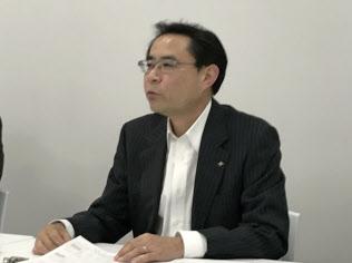 25日に決算会見した石塚硝子の石塚久継社長(名古屋市)
