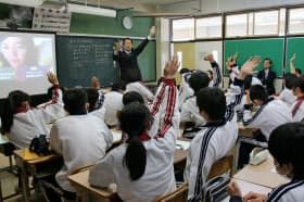 STOPitの導入校はいじめの傍観者にならないような行動を促す映像教材を使った授業を事前に実施する(写真は柏市立柏第三中学校、千葉県柏市)
