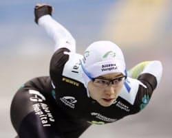 女子500メートル 37秒30で優勝した小平奈緒(26日、エムウエーブ)=共同