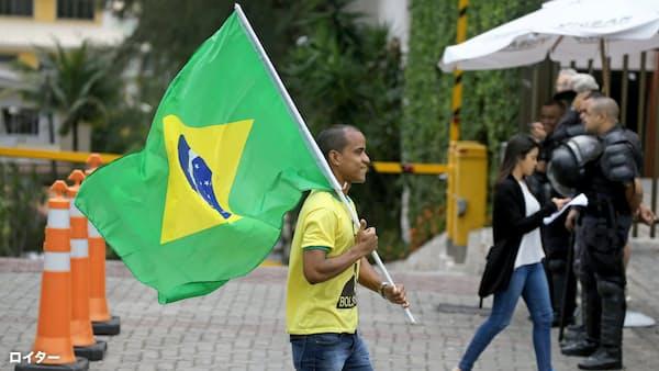 ブラジル新政権、年金支給抑制に意欲 改革の試金石に