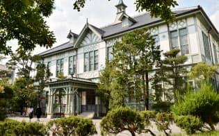 重要文化財に指定されている奈良女子大学の記念館(奈良市)