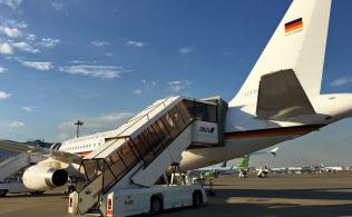初めてのアジア訪問では中国ではなく、行き先に日本とインドネシアを選んだ(羽田に駐機するドイツの政府専用機)