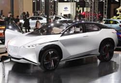 日産は自動運転車の開発に力を入れている(展示会で公開したコンセプトカー)