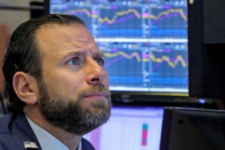 米中の貿易交渉の進展を巡り期待と懸念が交錯し、相場は乱高下した(ニューヨーク証券取引所)=ロイター