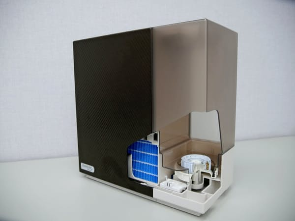ダイニチ工業が発売した抗菌性能付き加湿器、抗菌剤を含んだ付属品をタンクに装着した
