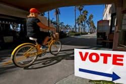 カリフォルニア州の投票所(6日)=ロイター