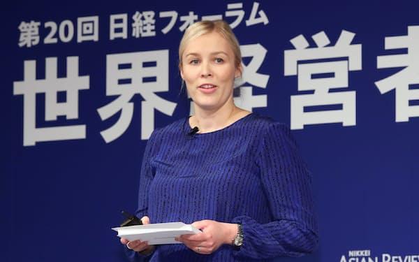 講演するマリメッコのティーナ・アラフフタ・カスコ社長兼CEO(7日午後、東京都千代田区)