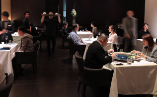 ミシュランの三つ星レストラン「HAJIME」(大阪市西区)は富裕層の人気が高い