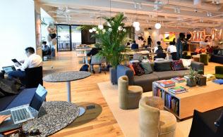 ウィーワークが横浜市に11月に開いた新オフィス