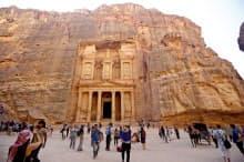 ヨルダンのペトラ遺跡=ロイター
