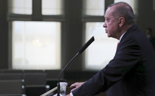 トルコのエルドアン大統領は10日、記者殺害時の音声記録をサウジ、米国、ドイツ、フランス、英国の5カ国に提供したと明らかにした=AP