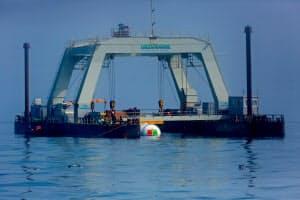 英オークニー諸島の沖合に設置されたマイクロソフトの海中データセンター(Red Box Pictures)