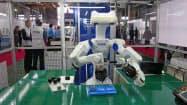 セイコーエプソンは高機能の産業用ロボットを市場に投入し、厳しい環境のロボット事業の巻き返しを図る(10月の諏訪圏工業メッセで)