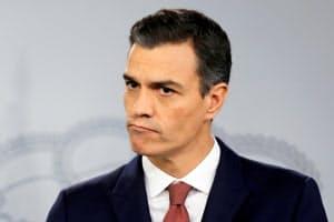 スペインのサンチェス政権は40年までにハイブリッド車などの販売禁止を目指す=ロイター