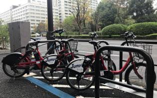 霞が関の官庁街に隣接する日比谷公園近くにもシェアバイク置き場がある(東京・内幸町)