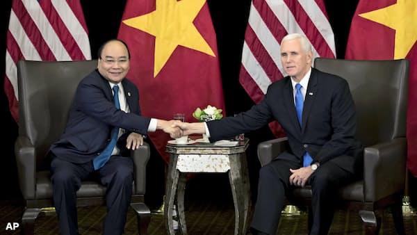 ベトナム、権力集中と経済自由化推進