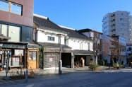 空き家や古民家のリノベを通じて中心部の活性化を図る(長野市の中央通り)