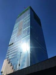 渋谷スクランブルスクエアは高さ約230メートルと渋谷で最高峰となる(15日、東京都渋谷区)