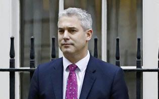 新しく英国のEU離脱担当相に就任したバークレイ氏=AP