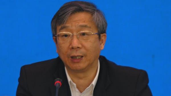 中国、債務削減の誤算 企業資金難を人民銀総裁謝罪