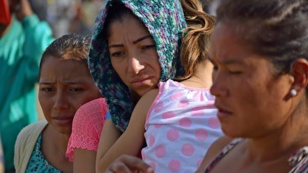 メキシコ国境の街に緊張感 中米から移民集団到着