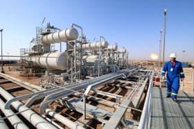 原油の供給過剰を懸念する声が強まっている(イラクの油田)=ロイター