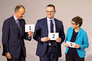 CDU次期党首を争うメルツ氏(左)、シュパーン氏(中)、クランプカレンバウアー氏=AP