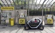 ウィーンの電気自動車スタンド=ロイター