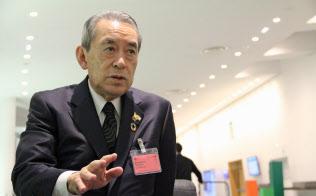 万博誘致決定後、インタビューに答える松本関経連会長