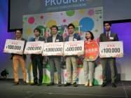 JR東のデータ活用を提案する企業が目立った(受賞した企業幹部。29日)