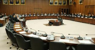 立民、国民など主な野党が欠席のまま、今国会で初めて開かれた衆院憲法審査会(29日)
