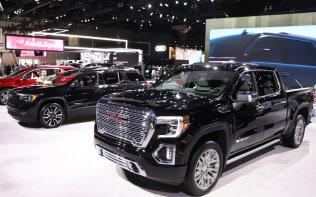 ロサンゼルス自動車ショーに展示した米ゼネラル・モーターズのピックアップトラック(米ロサンゼルス)=今井拓也撮影