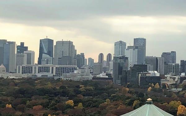 台風、暖冬で紅葉が映えない